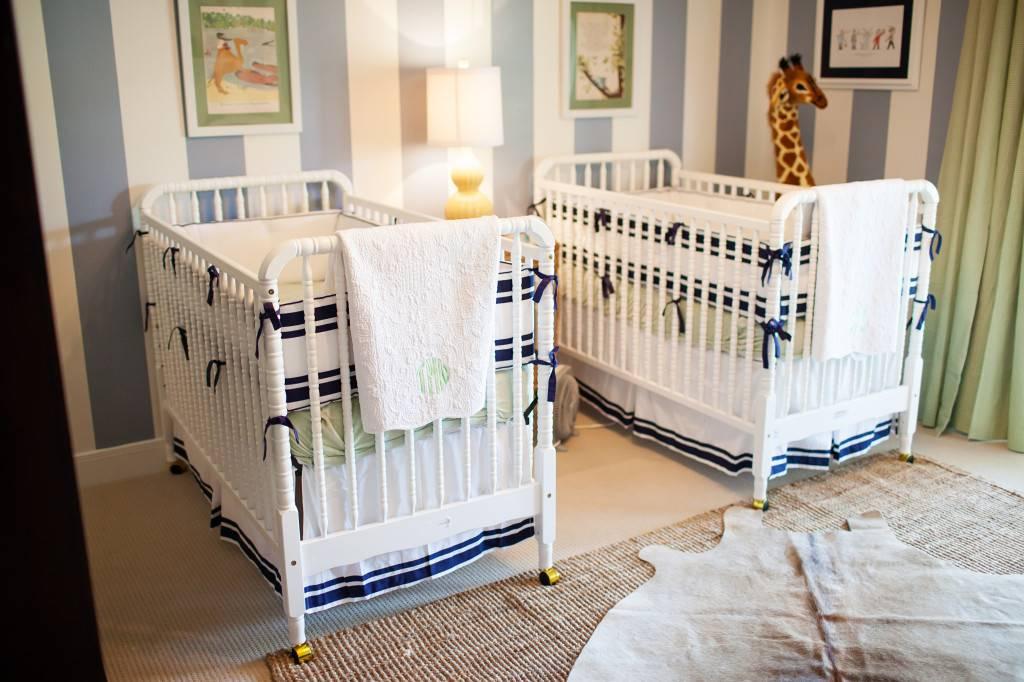 Как подобрать кроватку для двойни