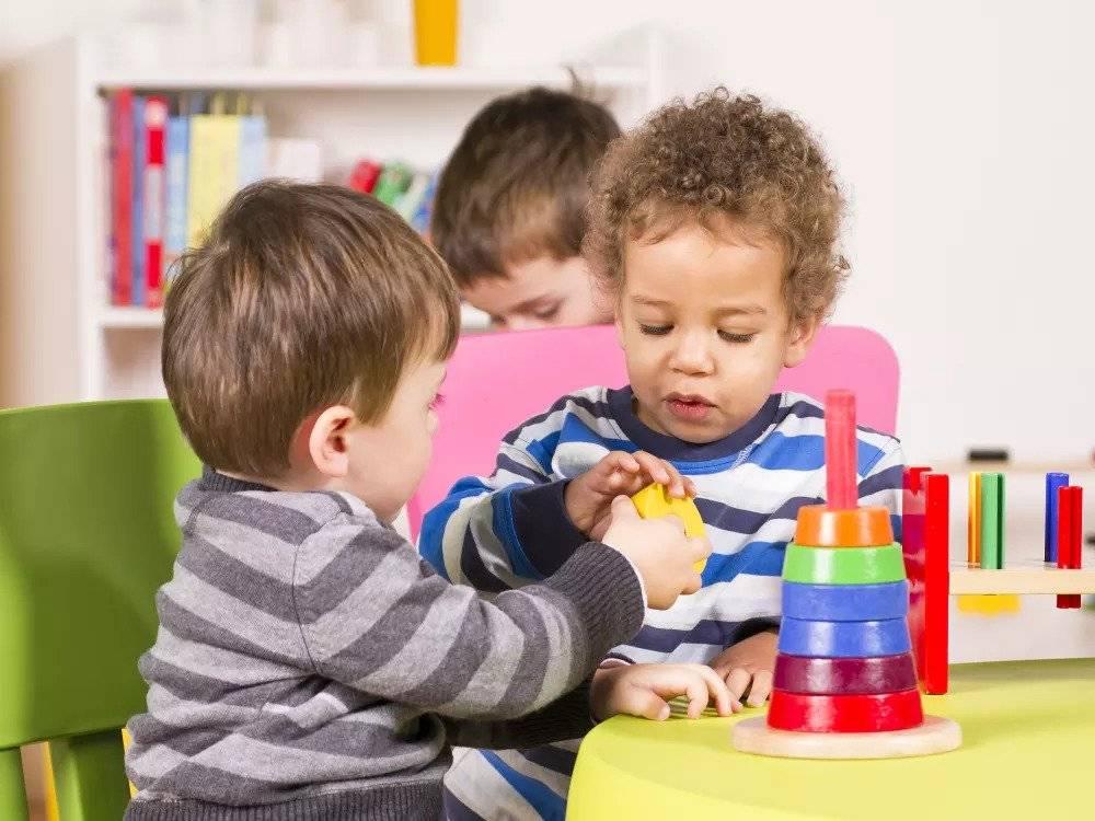 Ребенок не хочет ходить в садик: причины и что делать?