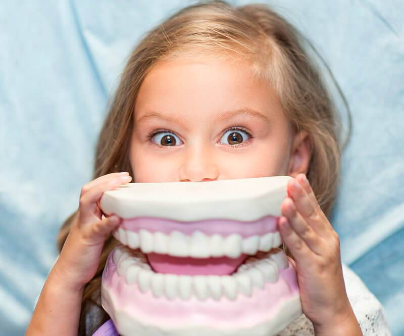 Что делать, если ребенок боится стоматолога?