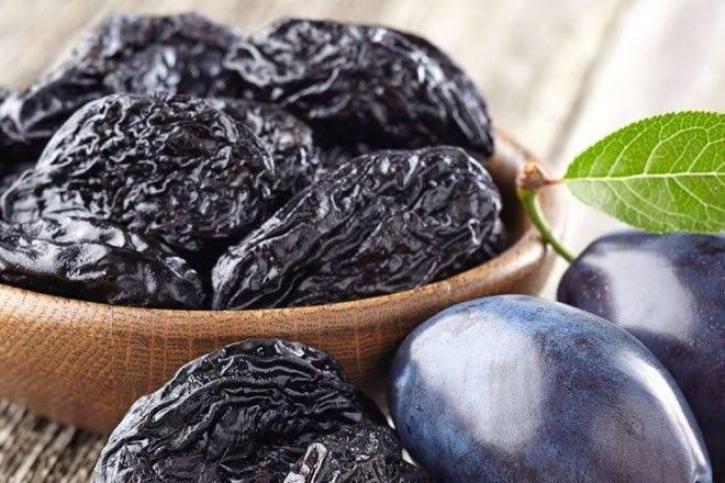 11 полезных свойств чернослива при грудном вскармливании