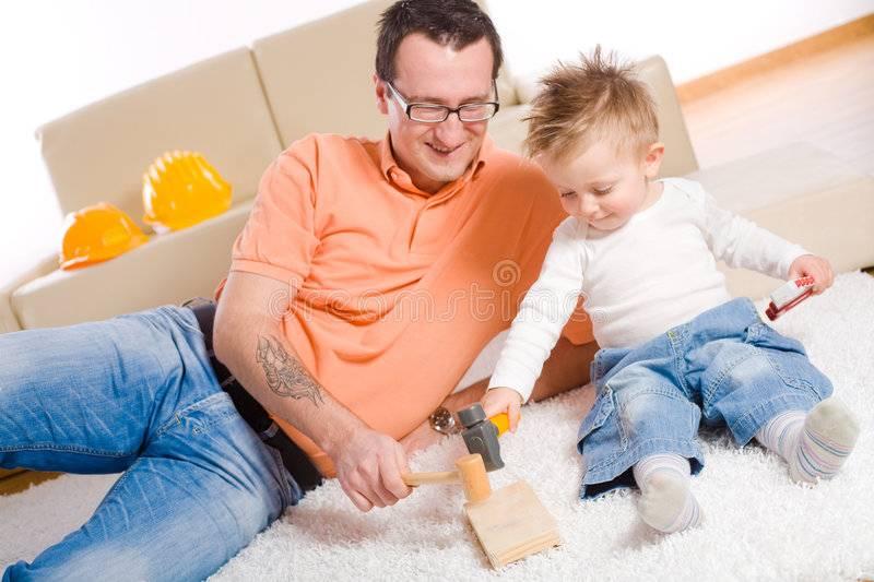 Во что играть с ребенком: 8 игр по три минуты для занятого папы. игры для детей 3-8 лет