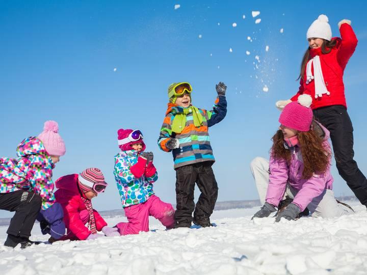 Спортивное развлечение для детей старшего дошкольного возраста «зимние забавы на улице». воспитателям детских садов, школьным учителям и педагогам - маам.ру