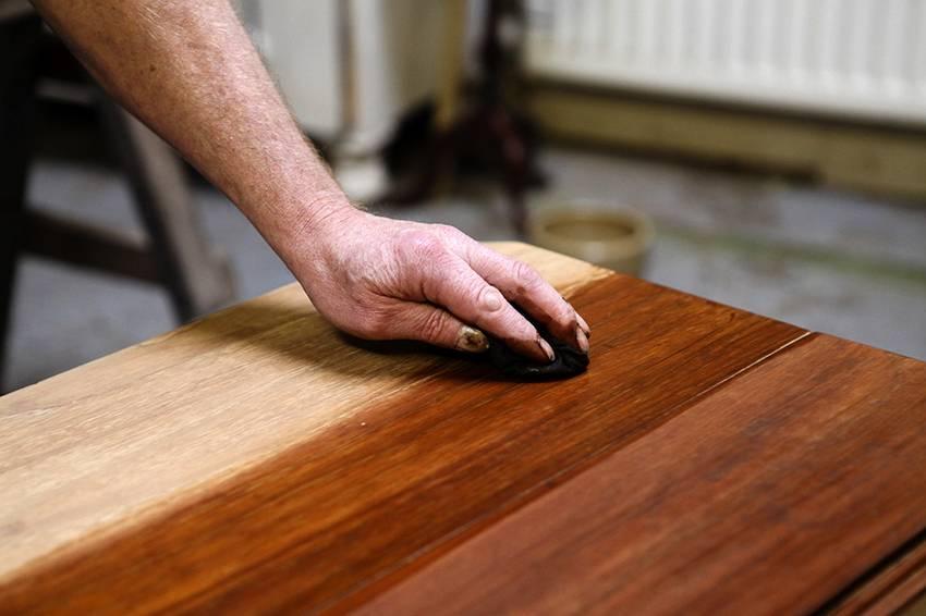 Как обновить кровать своими руками: как реставрировать старое деревянное или железное ложе, их спинку (изголовье), двуспальную койку, матрас, и фото с идеями дизайна