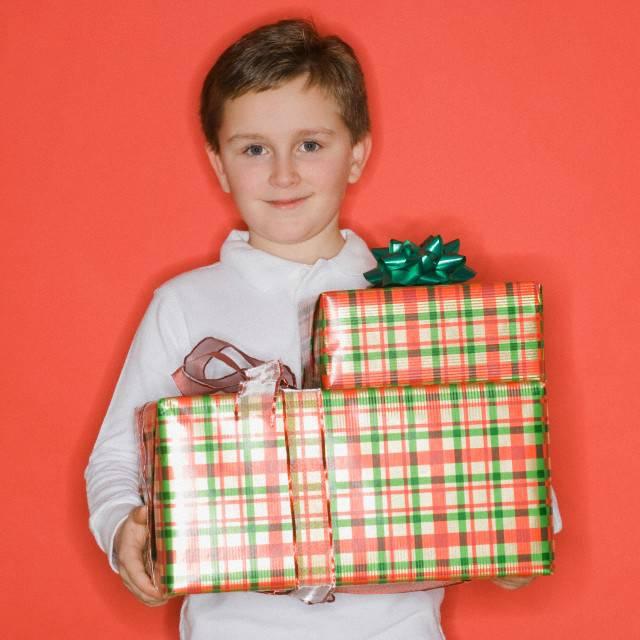 Что подарить мальчику на день рождения: топ-140 идей