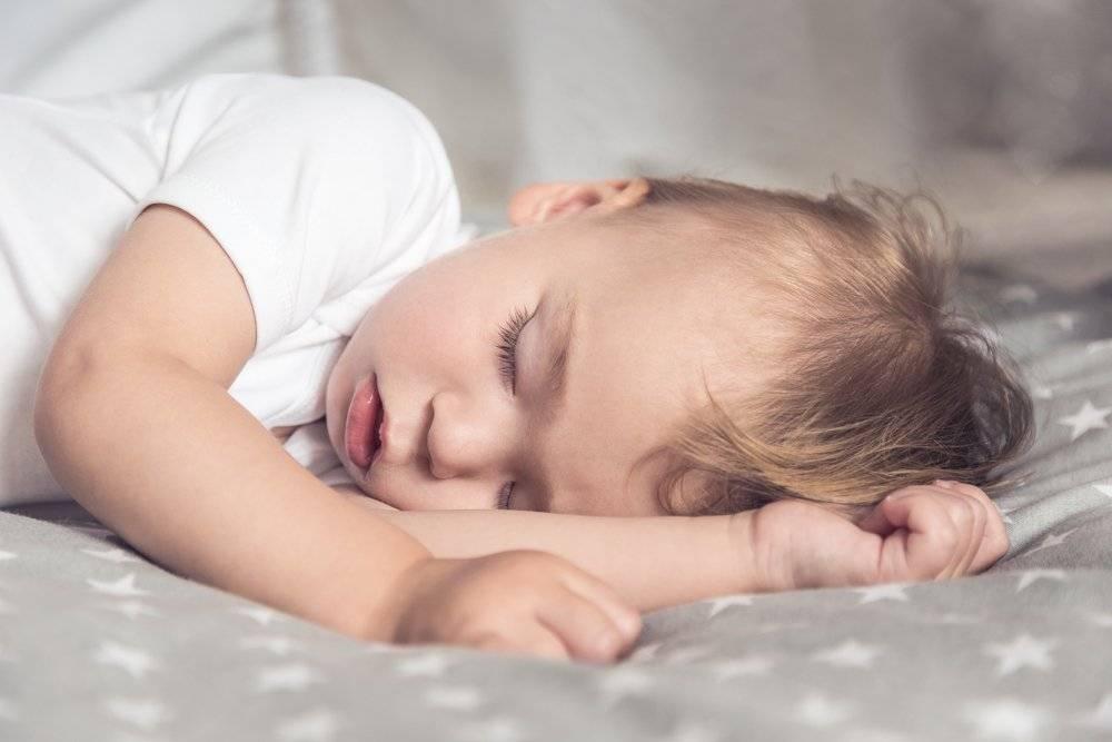 Как быстро укачать новорожденного ребенка спать