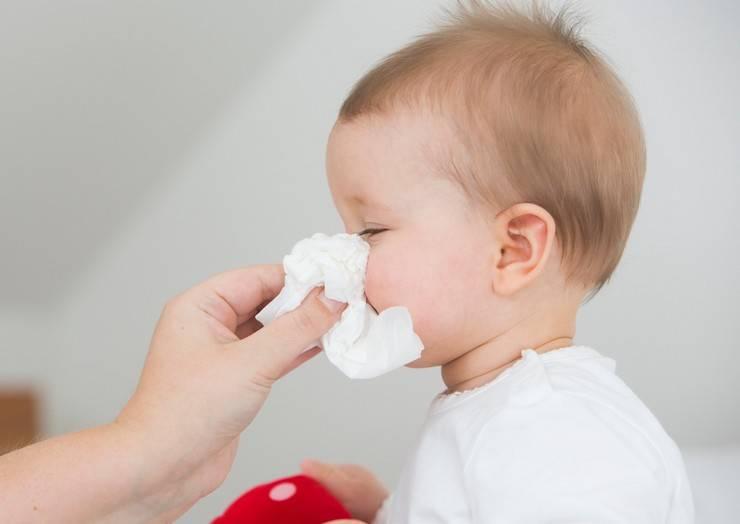 10 самых эффективных народных средств от насморка у детей