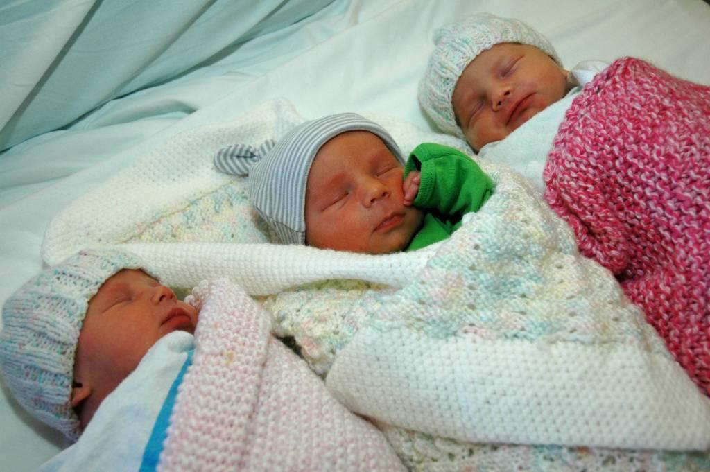 Государство для близнецов или социальная поддержка при рождении двоих и более детей одновременно - здоровые люди