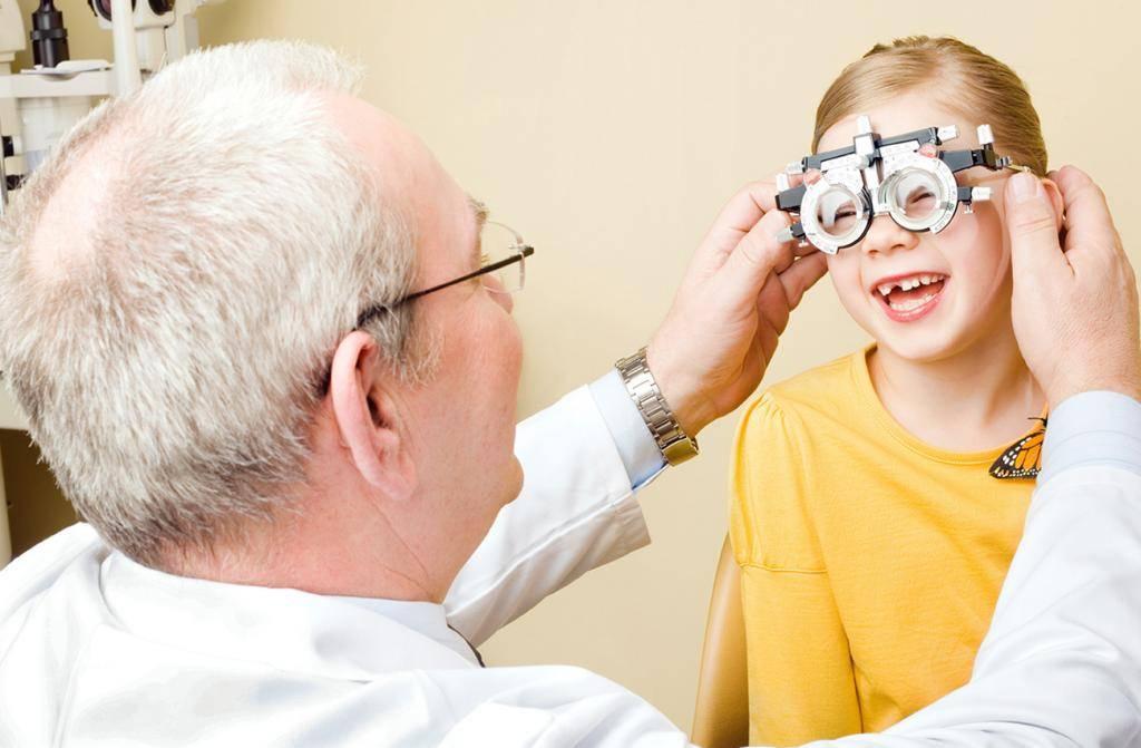 Чем опасны контактные линзы • академия зрения | официальный блог