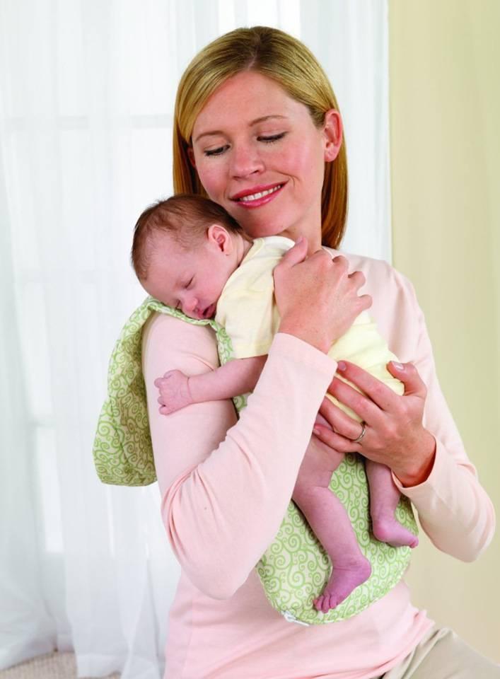 Как правильно держать новорожденного? практические советы: как не навредить малышу