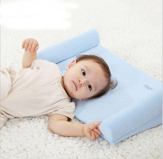С какого возраста ребенок спит на подушке: мнение педиатров, советы по выбору подушки для детей
