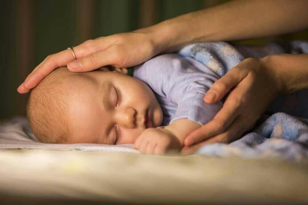 Как приучить ребенка засыпать самостоятельно: эффективные техники и методики