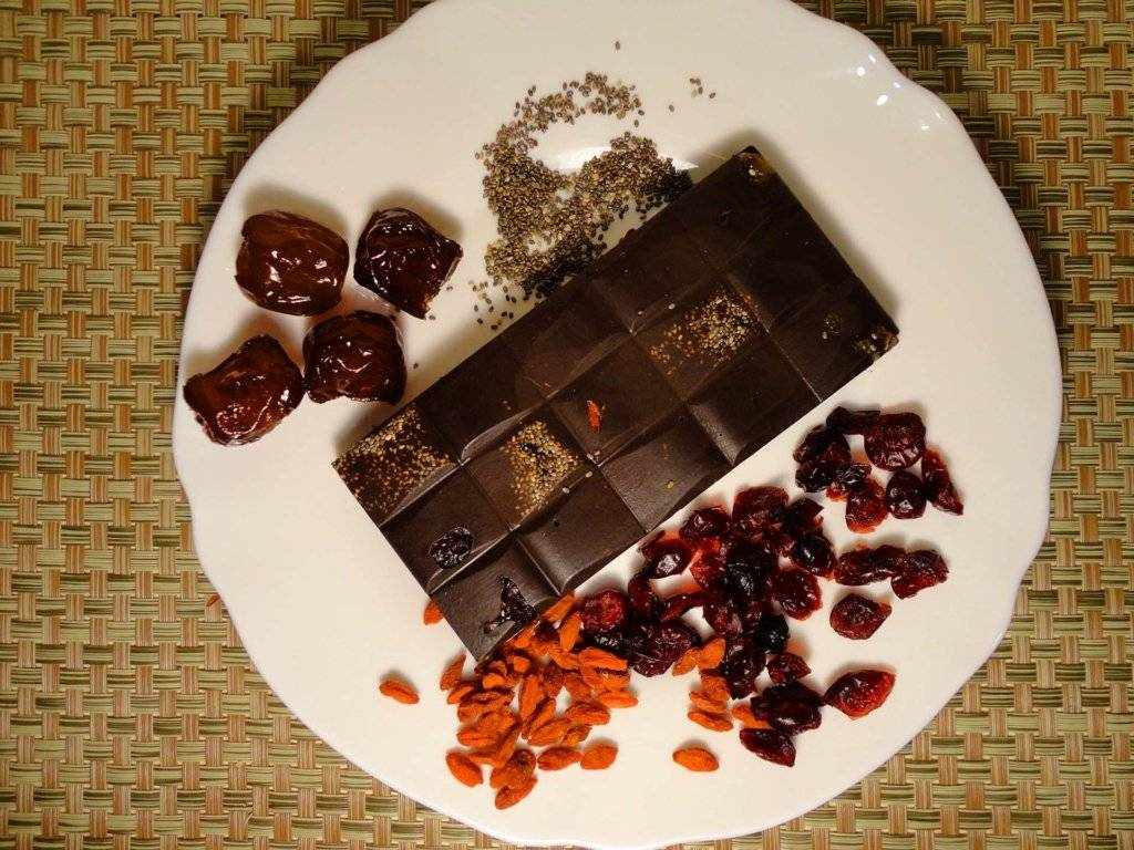 Шоколад при грудном кормлении: польза или вред