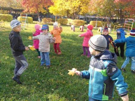 «призраки», прятки в темноте и городское сафари. 60 детских игр на свежем воздухе