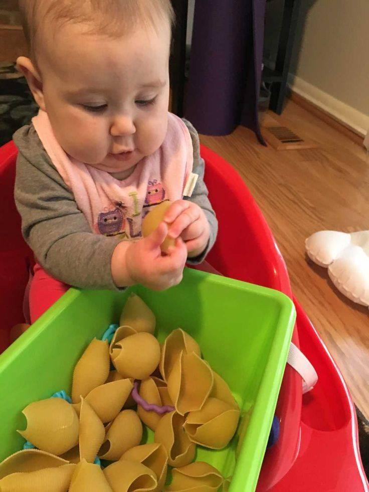 Как развивать ребенка в 6 месяцев: занятия с ребенком в 6 месяцев