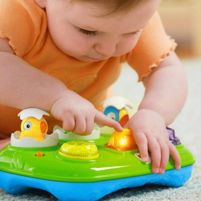 Какие игрушки нужны ребенку в 8 месяцев: развивающие игры, как играть с ребенком, чем занять ребенка