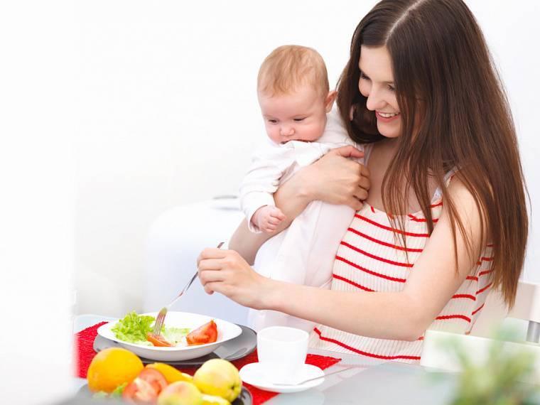 Черника в рационе молодой мамы при грудном вскармливании