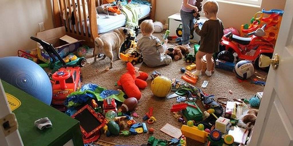 Надоел хаос в квартире, когда ребенок перестанет разбрасывать игрушки