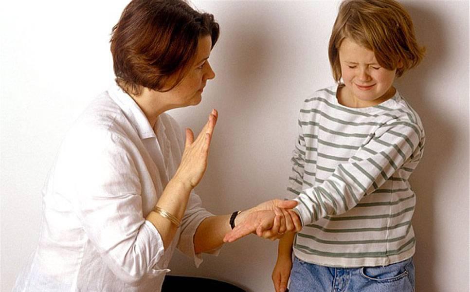 Нужно ли наказывать ребенка в трехлетнем возрасте: мнение родителей и психолога?