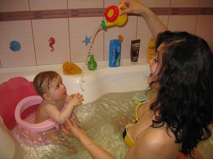 Купание ребенка - правильное купание младенца дома после роддома - причины, диагностика и лечение