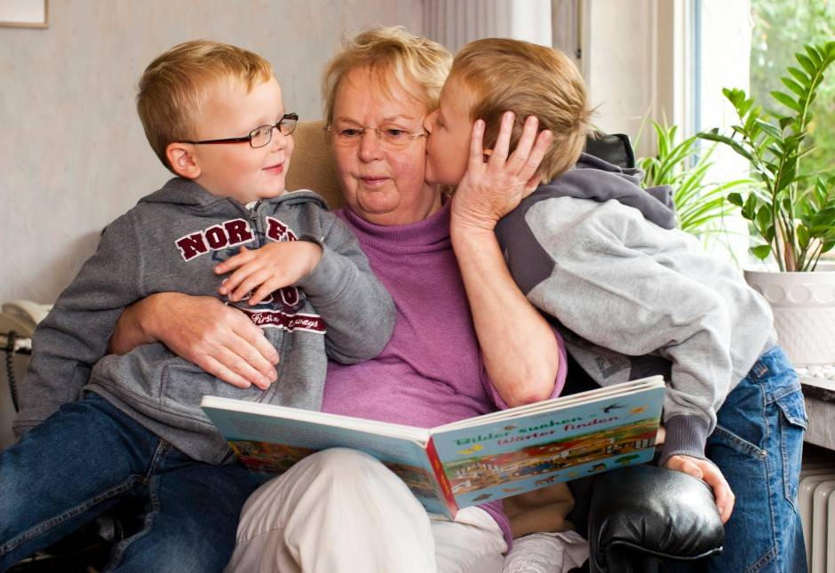 4 типа бабушек, которые опасны для вашего ребенка