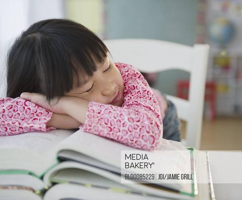 Ленивый ребенок: как бороться с детской ленью и как приучить детей к труду