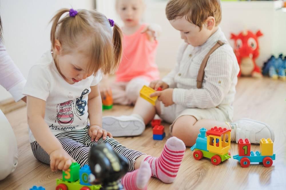 Как научить ребенка делиться своими игрушками: вопрос психологу