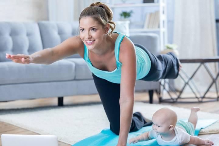 Видео-фитнес: домашние тренировки для мам с детьми