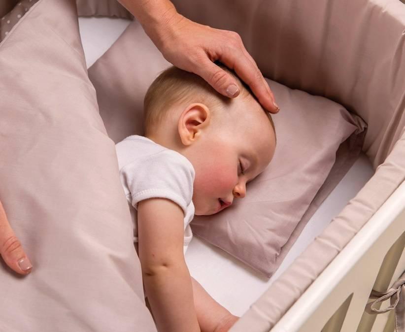 Ортопедическая подушка для ребенка: плюсы такого изделия, правила выбора и рекомендации по уходу - общая медицина