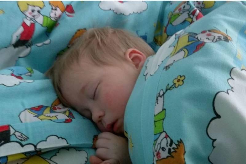 Совместный сон ребенка с родителями: польза и вред