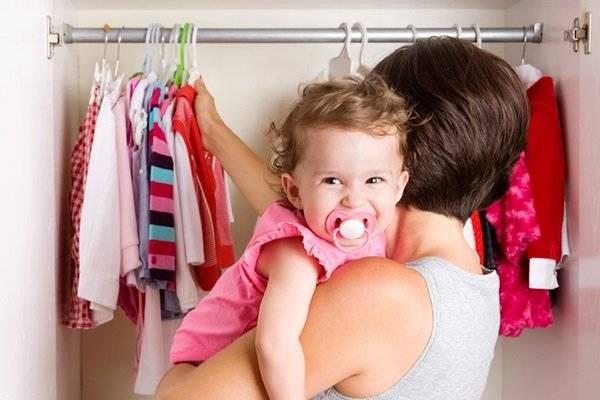 Как взрослый: учим малыша кушать и одеваться самостоятельно
