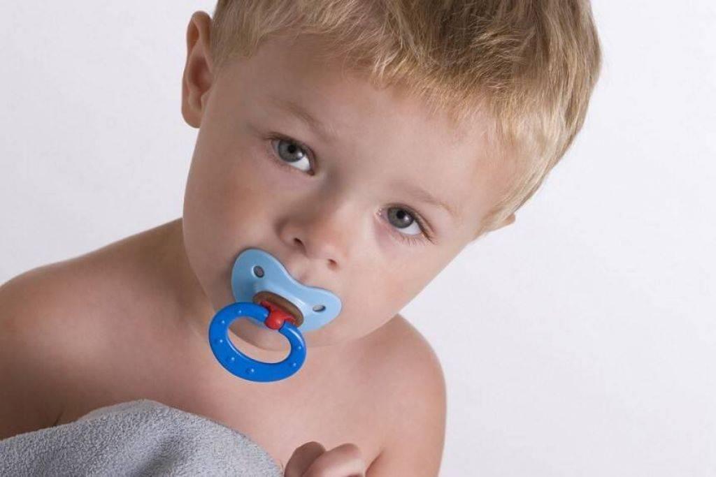 Как отучить ребенка от пустышки - 10 способов избавления. советы родителям и мнение доктора комаровского