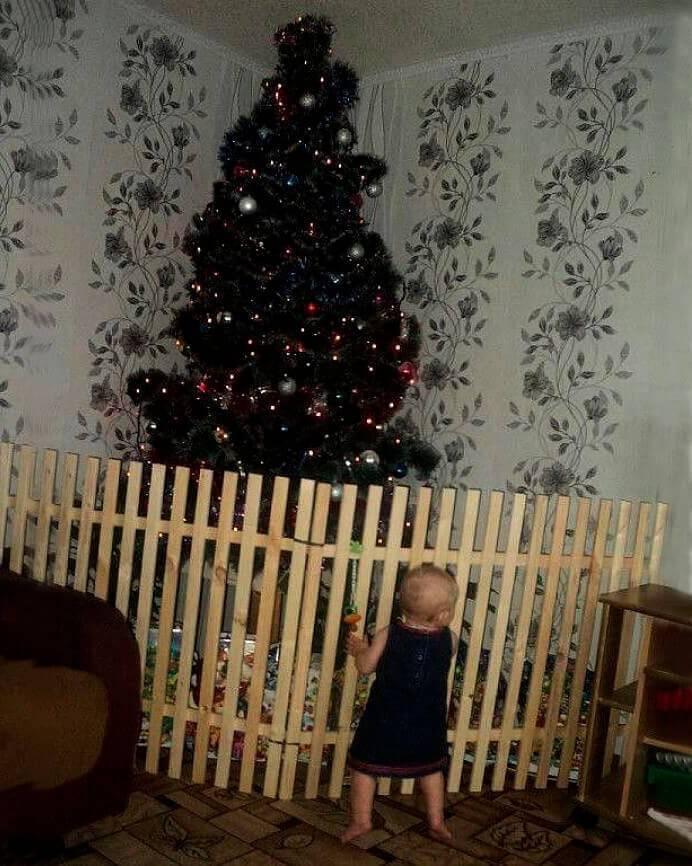 Животрепещущий вопрос: елка в доме, где есть маленький ребенок - mama.ru