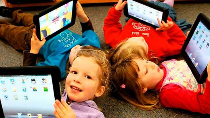 Современные гаджеты и маленькие дети — нужно ли их рано знакомить? гаджеты и дети: польза и вред