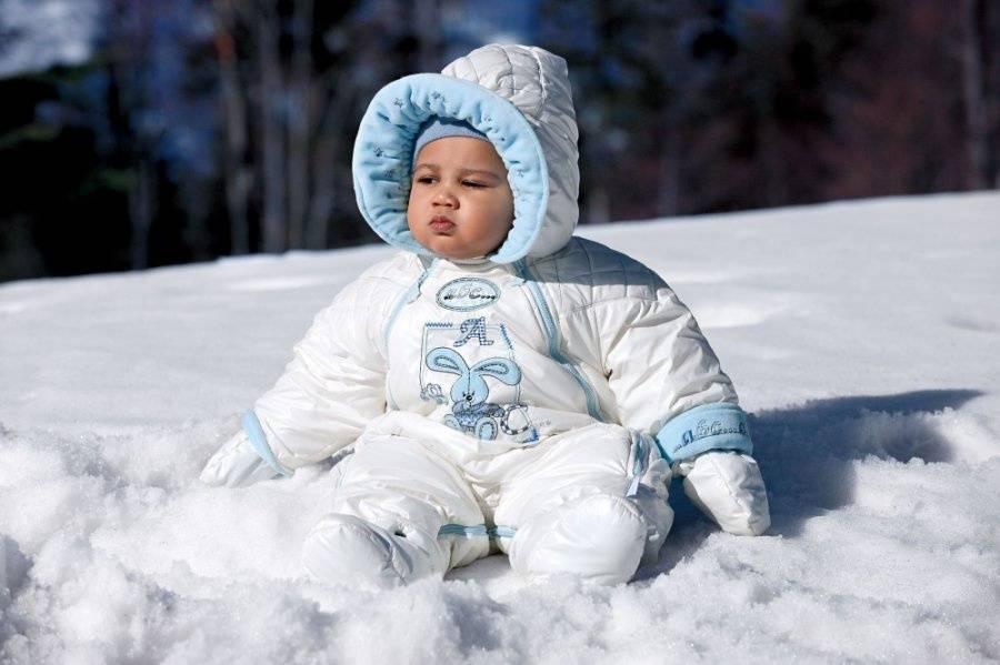 Как одевать ребенка зимой - советы молодым родителям как правильно выбрать одежду для зимней прогулки (110 фото)