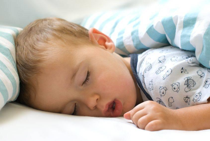 Дыхание новорожденного ребенка: норма и отклонения