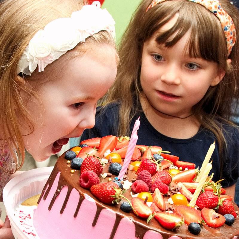 Ты мой сахарный: сколько сладкого можно давать ребенку