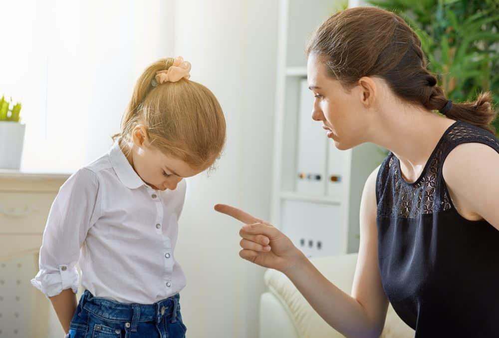 Пять вещей, за которые вам не нужно извиняться перед обществом, если вы молодая мать