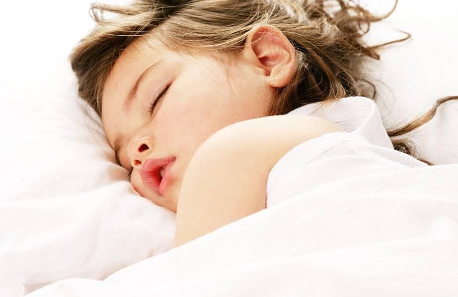 Ночной плач у ребенка: каковы причины и что с этим делать?