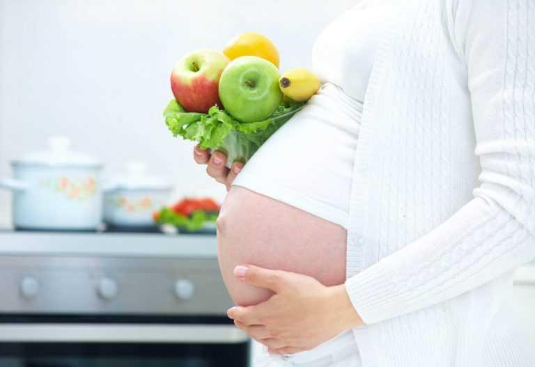 Животик уже заметен: врач рассказала, как протекает 10 акушерская неделя беременности