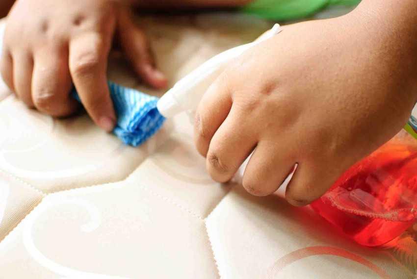 Чем отмыть фломастер: рецепты и методы удаления надписей и рисунков (70 фото)