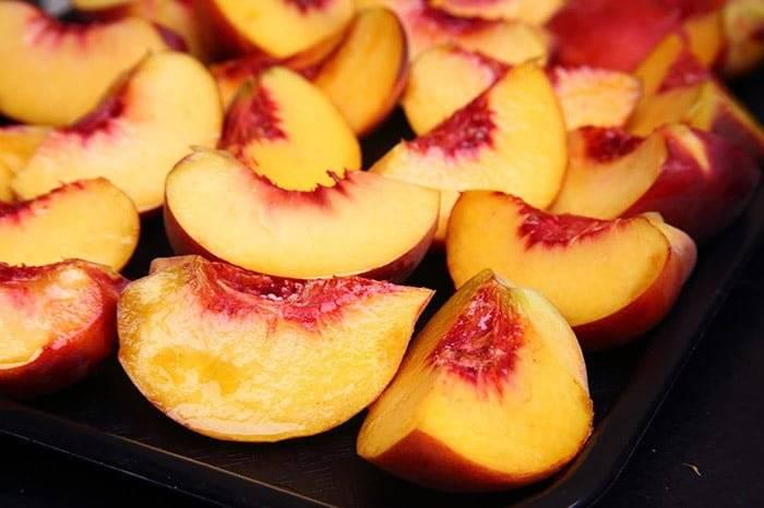 Можно ли персиковый сок для кормящей мамы?