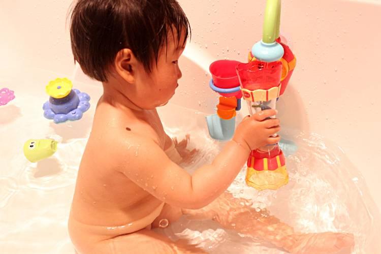 Обзор лучших детских игрушек для ванны на 2021 год с характеристиками и описанием.
