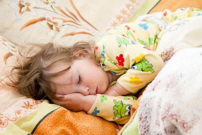 Как разбудить ребенка утром рецепты легких пробуждений