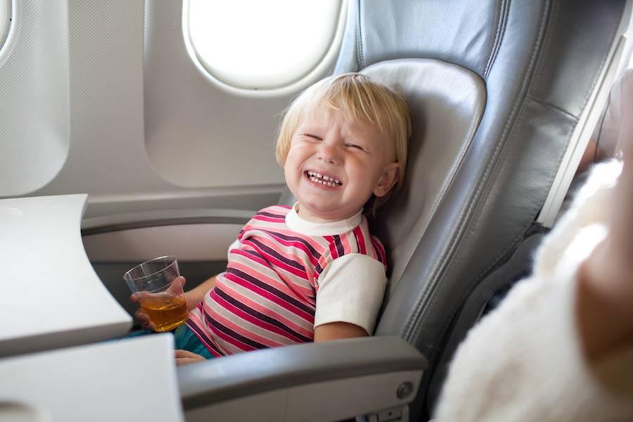Юные путешественники: организуем полет ребенка на самолете без сопровождения родителей