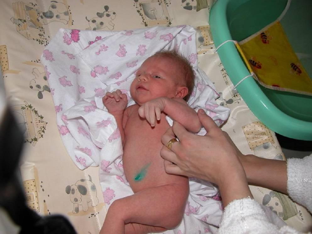 Когда новорождённый начинает видеть и слышать: всё о зрении и слухе ребенка в первый год жизни