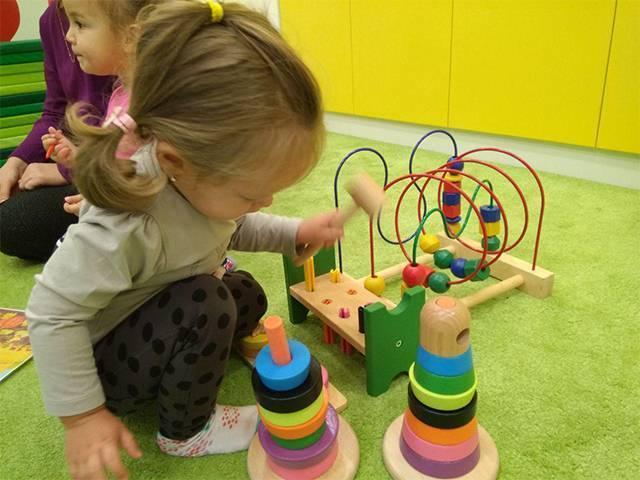 Как подобрать развивающую игрушку исходя с возраста ребенка-советы и подсказки