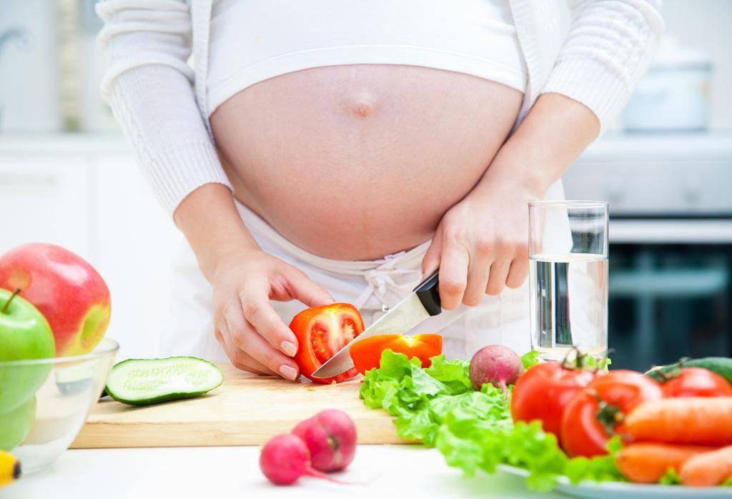 Кариес у беременных – риск развития во время беременности и можно ли его лечить: чем опасно влияние болезни зубов на плод, когда резко появляются боли и влияют на ранний срок