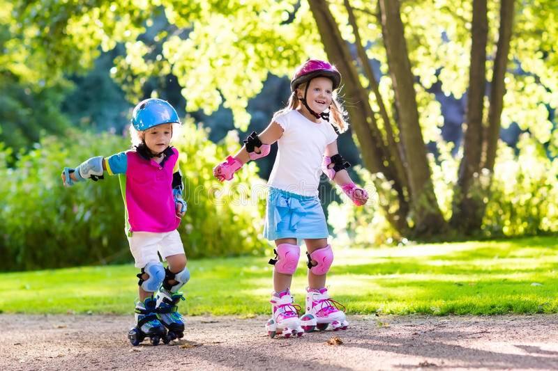 Как учить ребенка кататься на роликах
