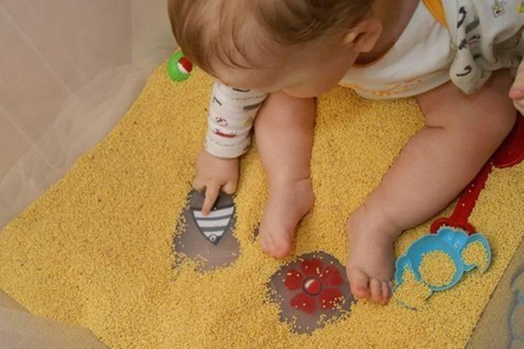 Учимся играя – как развивать ребенка в 10 месяцев