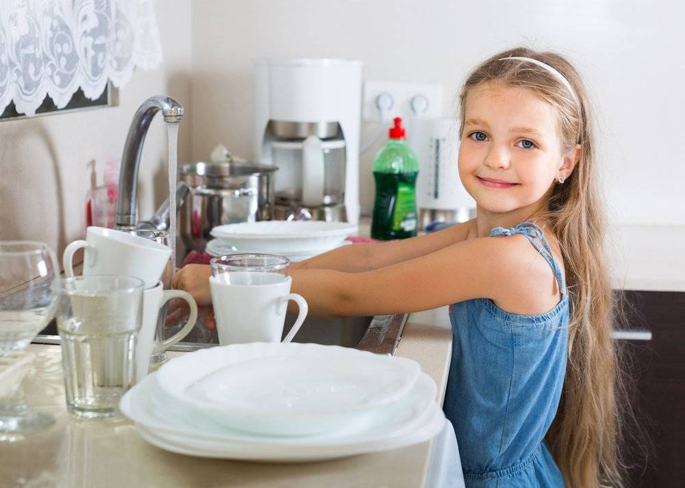 Как привлечь ребенка к участию в домашних делах